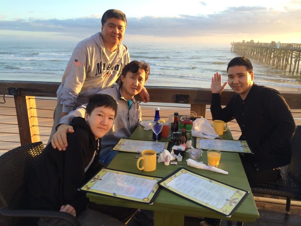 Завтрак на берегу океана